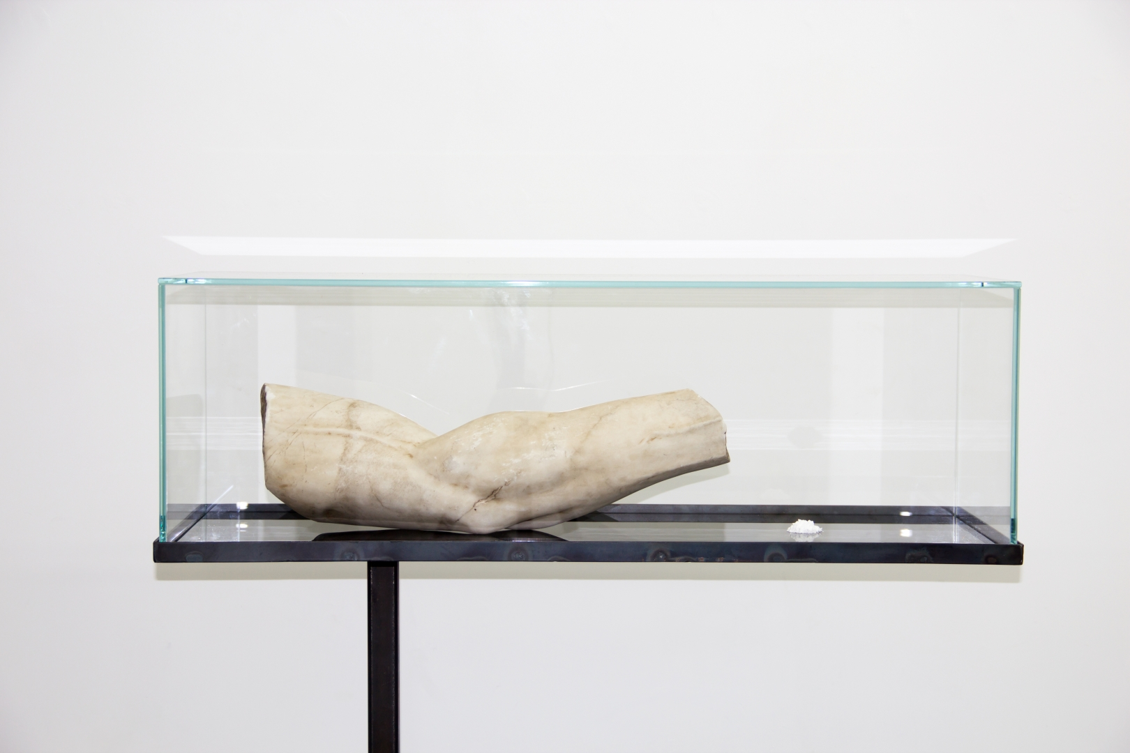 Christian Fogarolli, Lithos, 2016, white marble of Carrara, iron, lithium, glasses, 110 x 85 x 30 cm